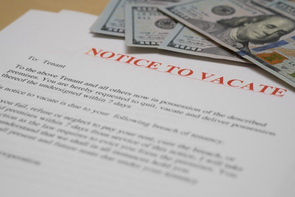 notice to vacate and cash